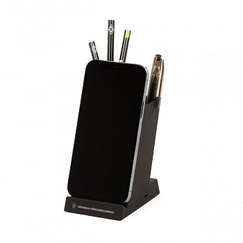 Stifteköcher mit Ladefunktion
